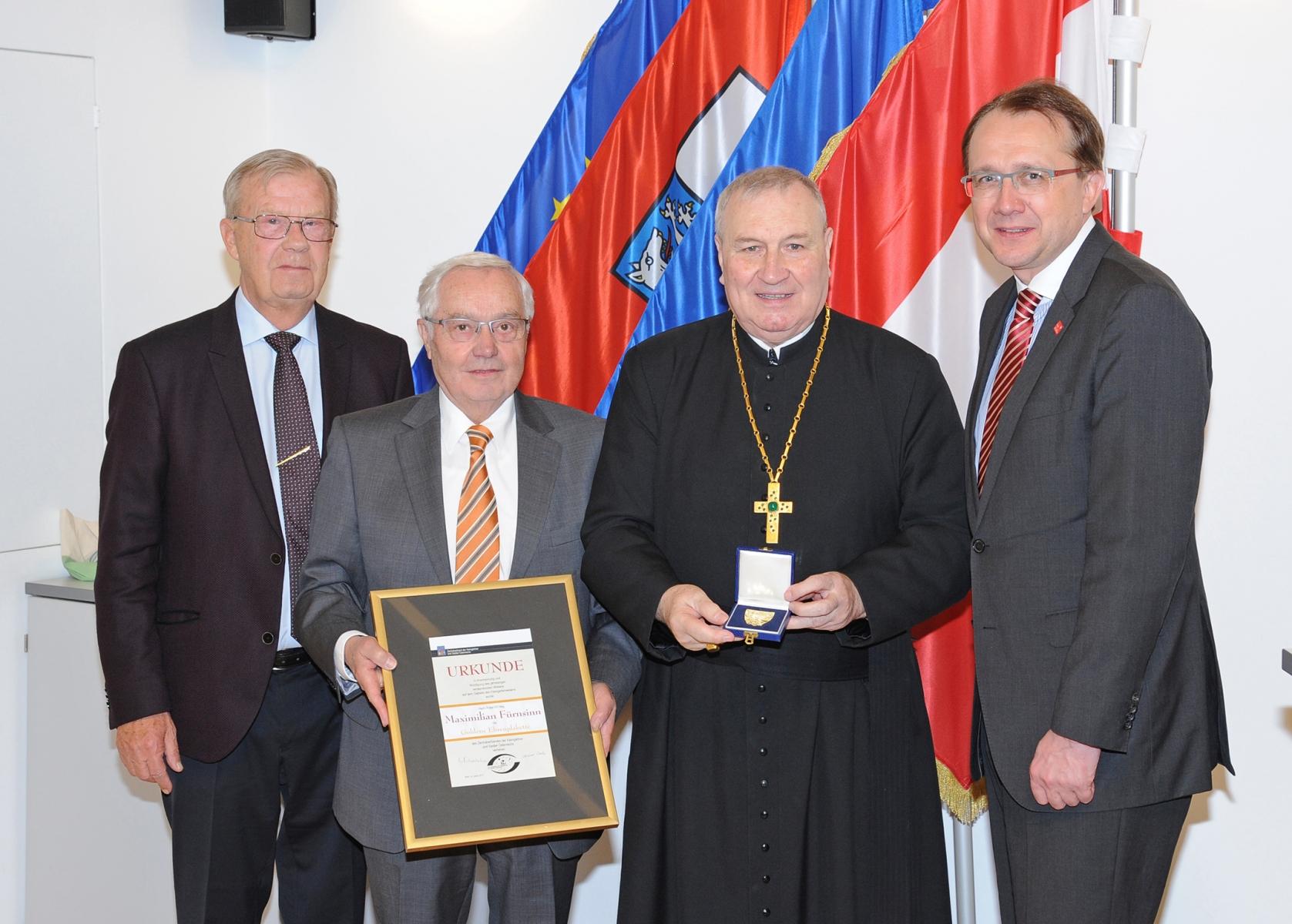 Kleingaertner-Landesversammlung-Ehrung-Probst-Fuernsinn